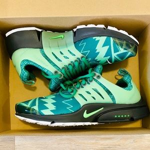 Nike Air Presto 'Naija' Pine Green Strike Black
